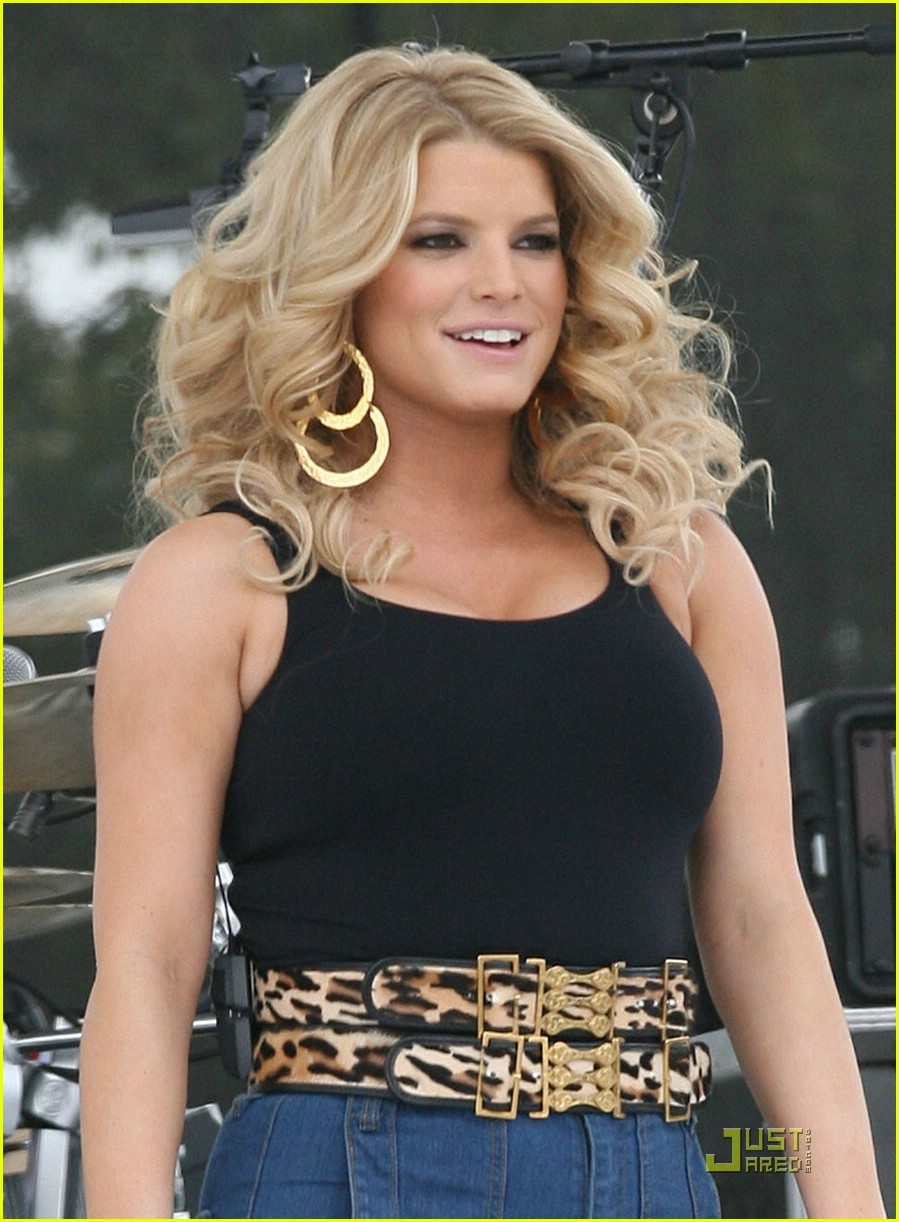 jessica simpson kiss country chili cookoff 01