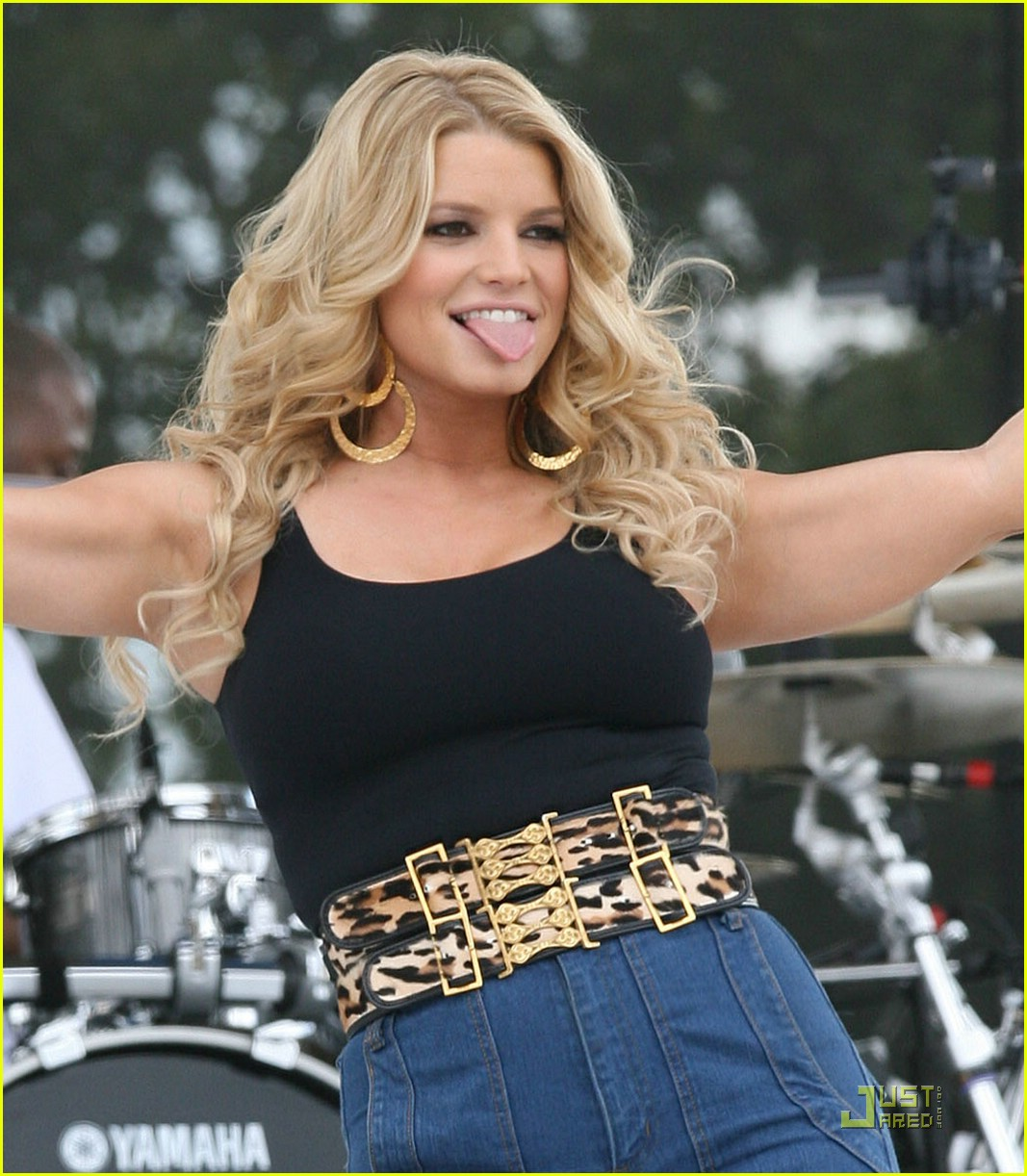 jessica simpson kiss country chili cookoff 05