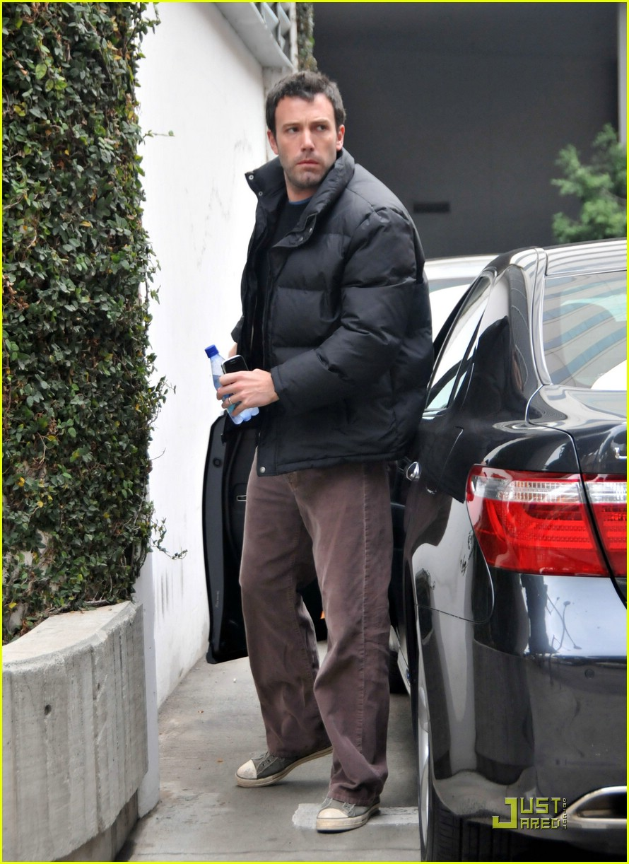 violet affleck ben affleck police escort 17