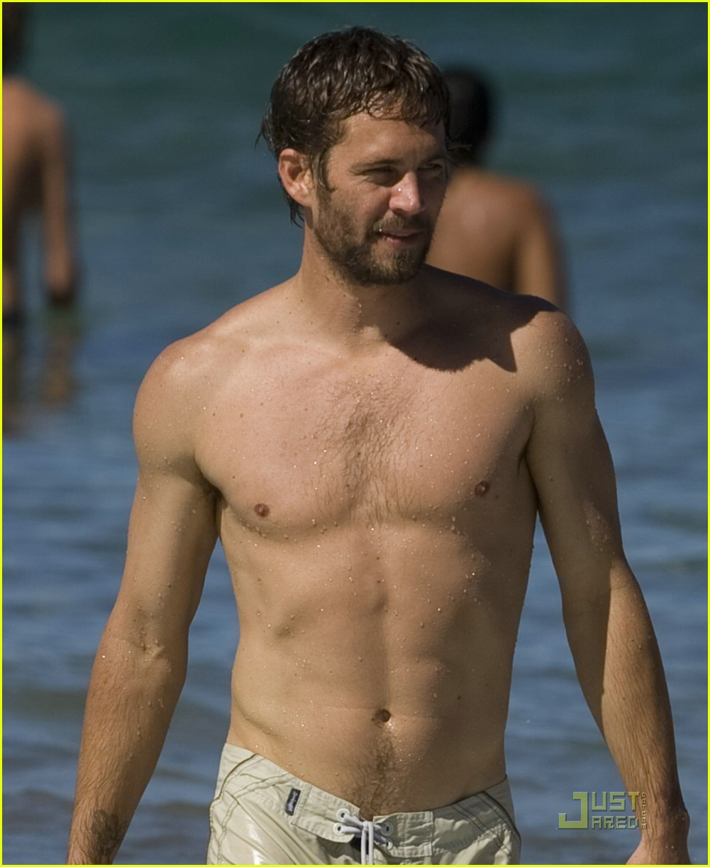 paul walker shirtless 121665811