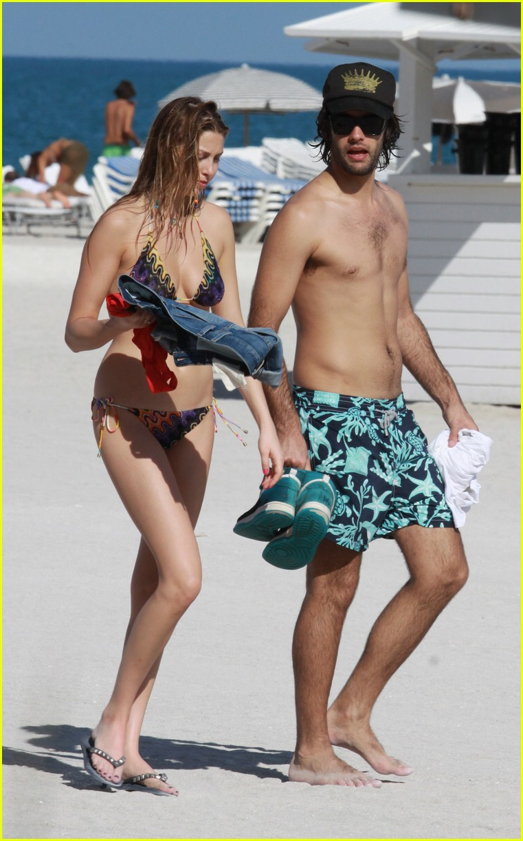 whitney port beach body 01