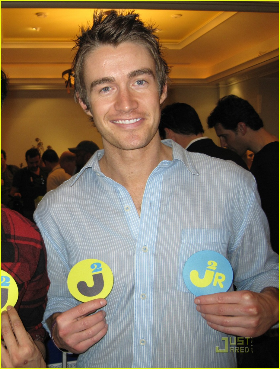 robert buckley oscars 05