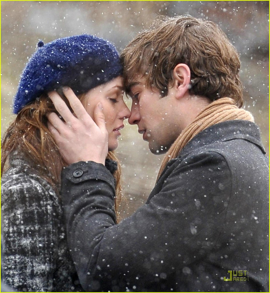 chace crawford kissing leighton meester 041699401