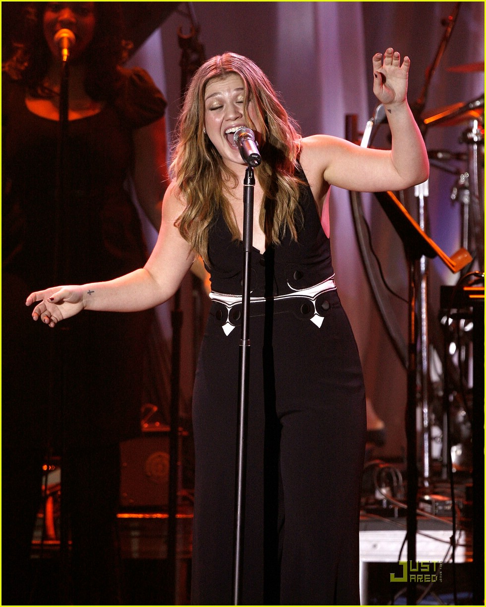 kelly clarkson clive davis salute 07