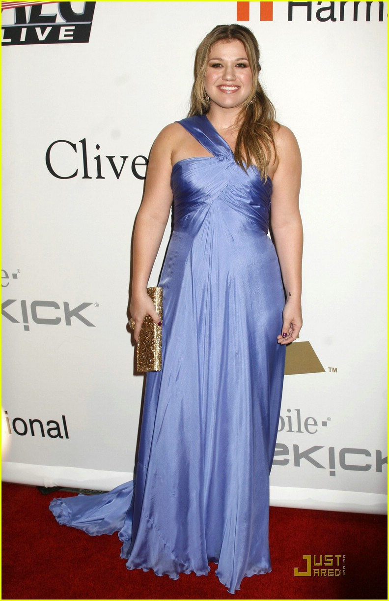 kelly clarkson clive davis salute 291709911