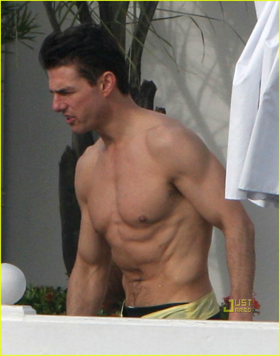 Full Sized Photo of tom cruise ripplings abs 01 | Photo ...