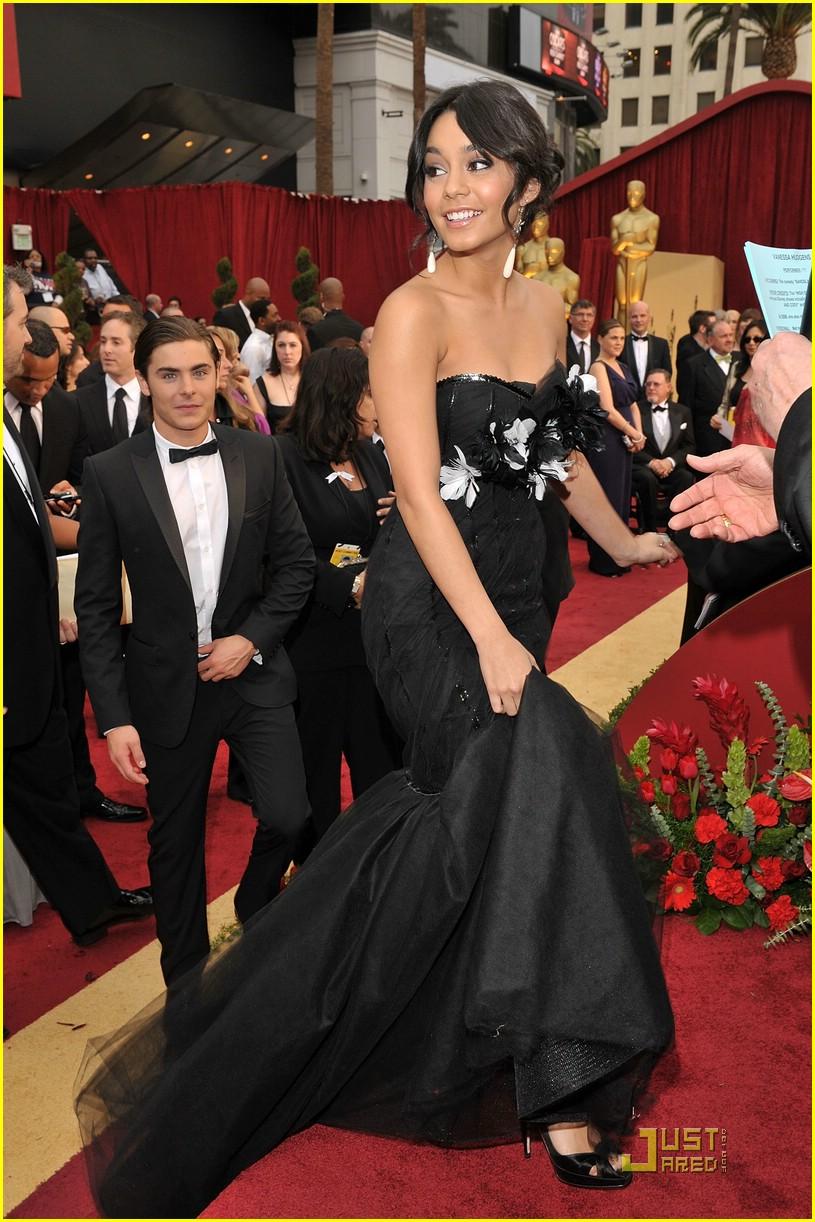Vanessa Hudgens Oscars 2014