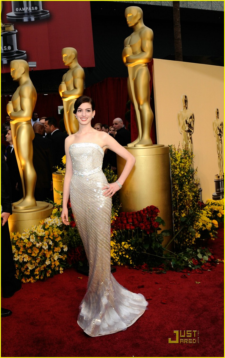 anne hathaway 2009 oscars 02