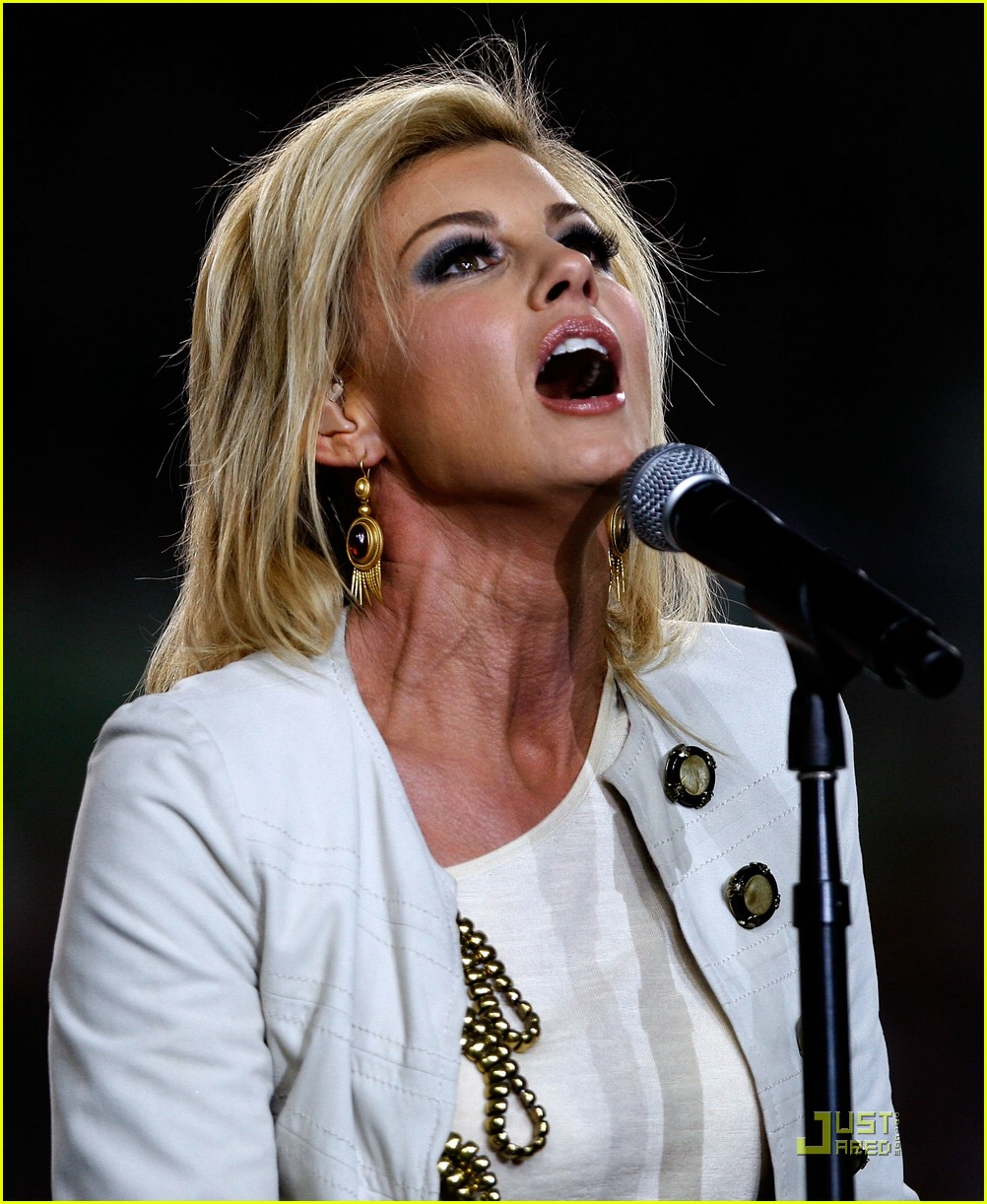 faith hill jennifer hudson superbowl 05