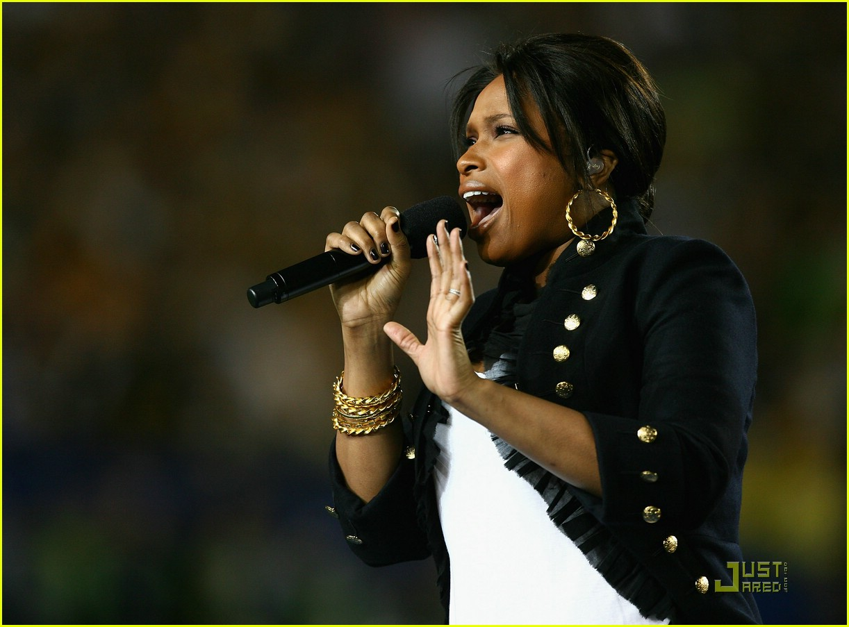faith hill jennifer hudson superbowl 11