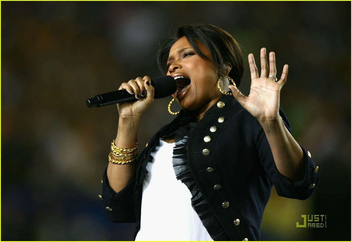 faith hill jennifer hudson superbowl 121694901