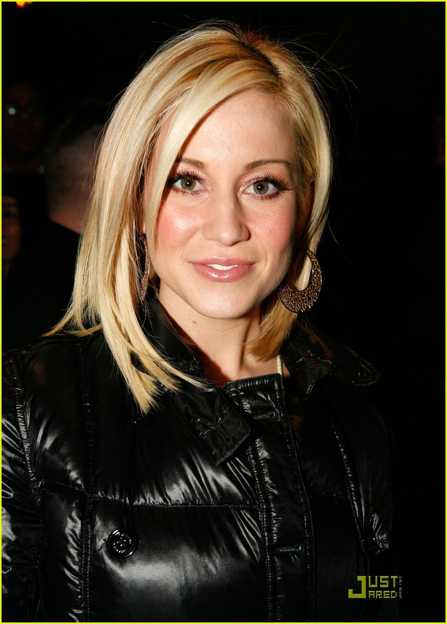 kellie pickler mercedes benz fashion week 03