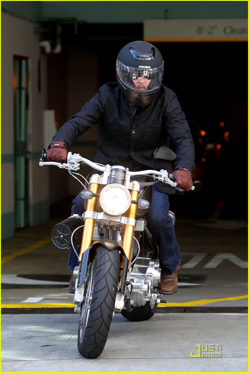 brad pitt rides fulmer fast 07