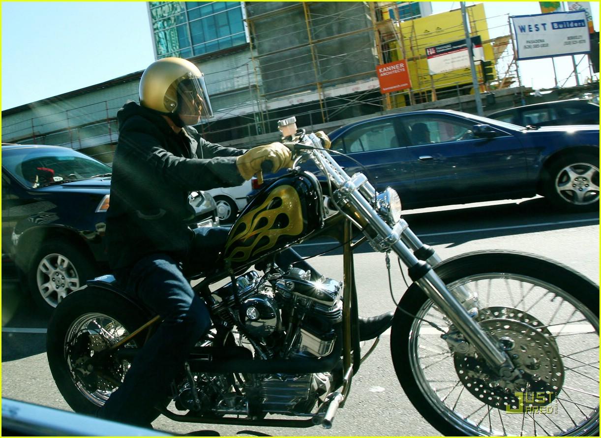 brad pitt motorcycle madness 04