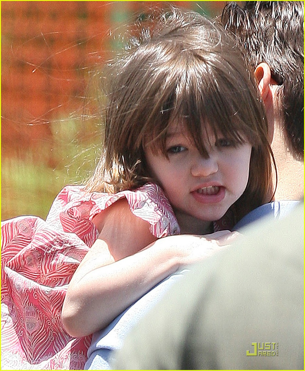 suri cruise helicopter 02
