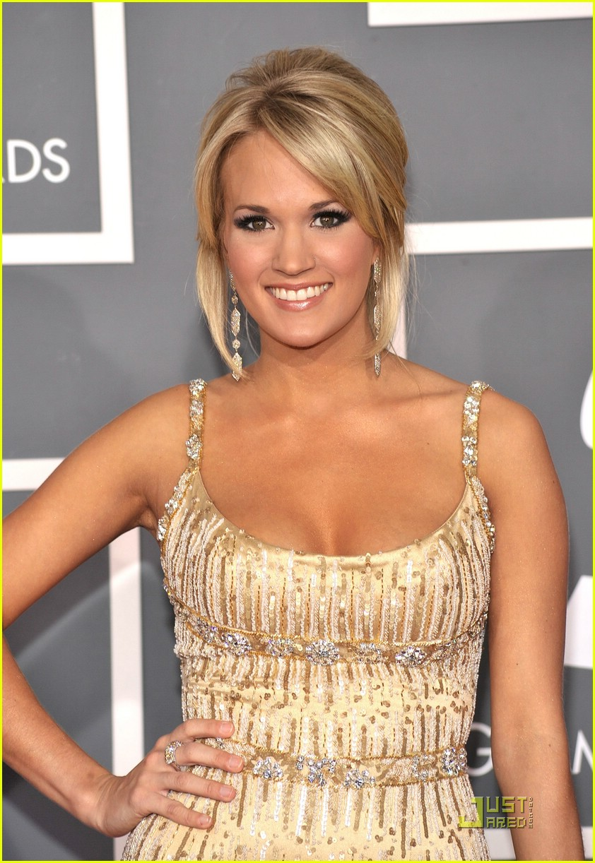 carrie underwood grammys red carpet 2009 231710671