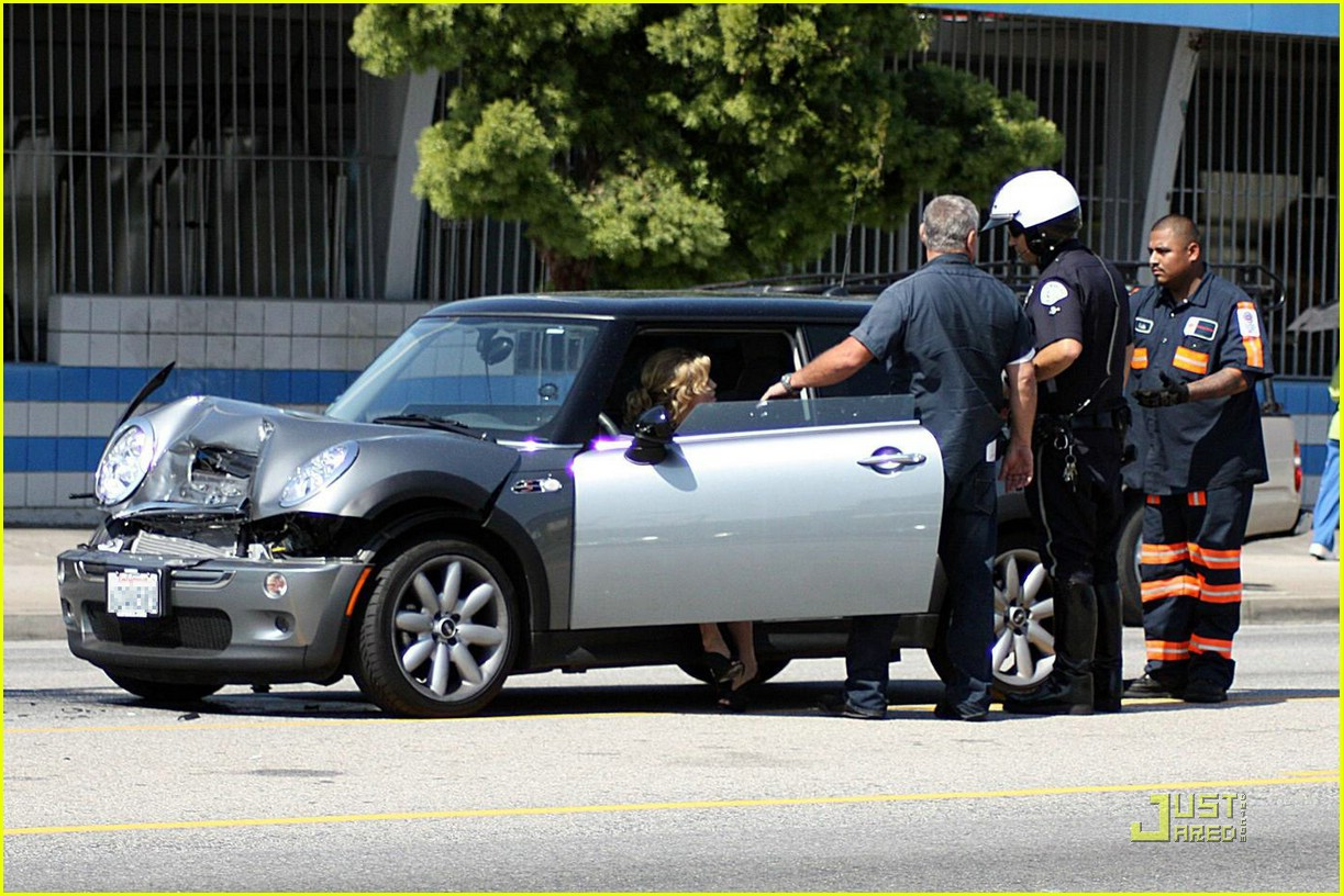 annalynne mccord car accident 11