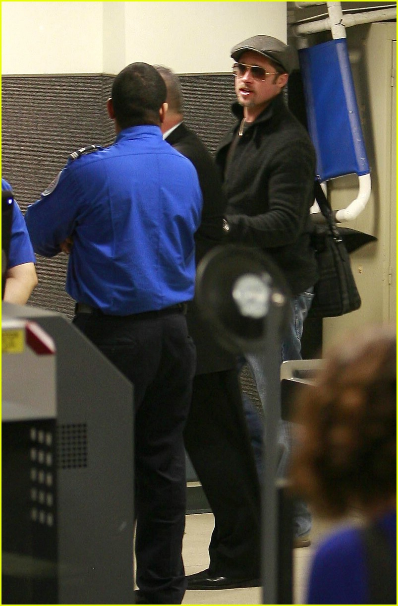 brad pitt lax security 02