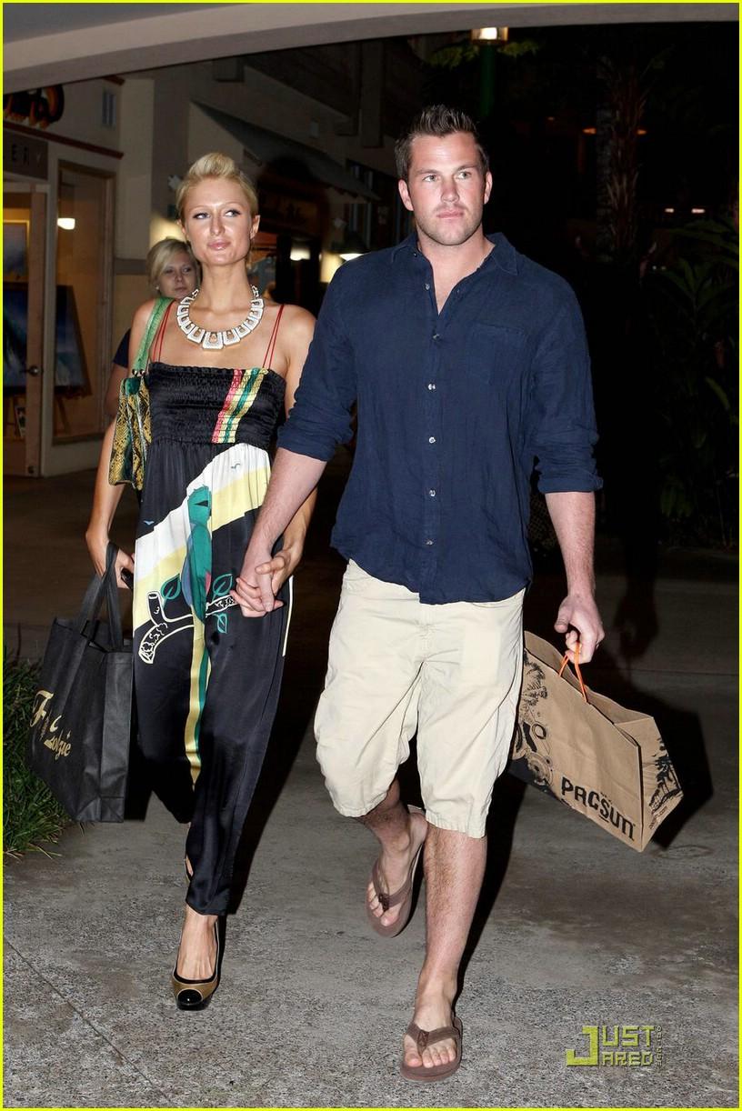 Full Sized Photo of paris hilton doug reinhardt hawaii 12   Photo 1781171   Just Jared Paris Hilton
