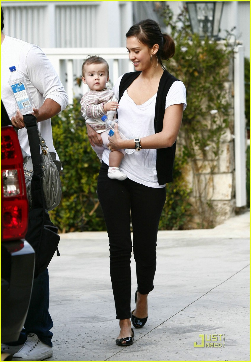 jessica alba honor warren baby talk 171759601