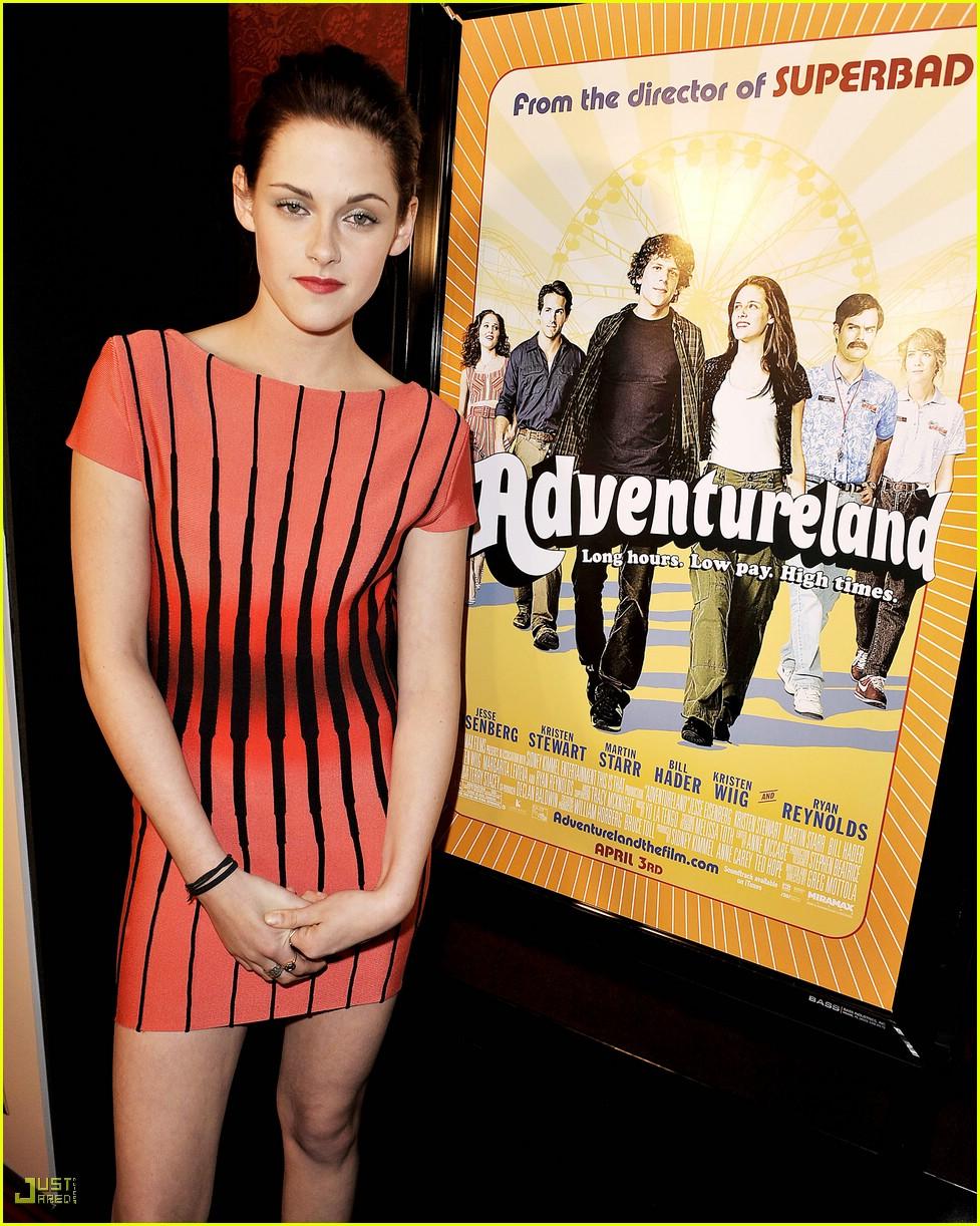 kristen stewart adventureland premiere 071795981