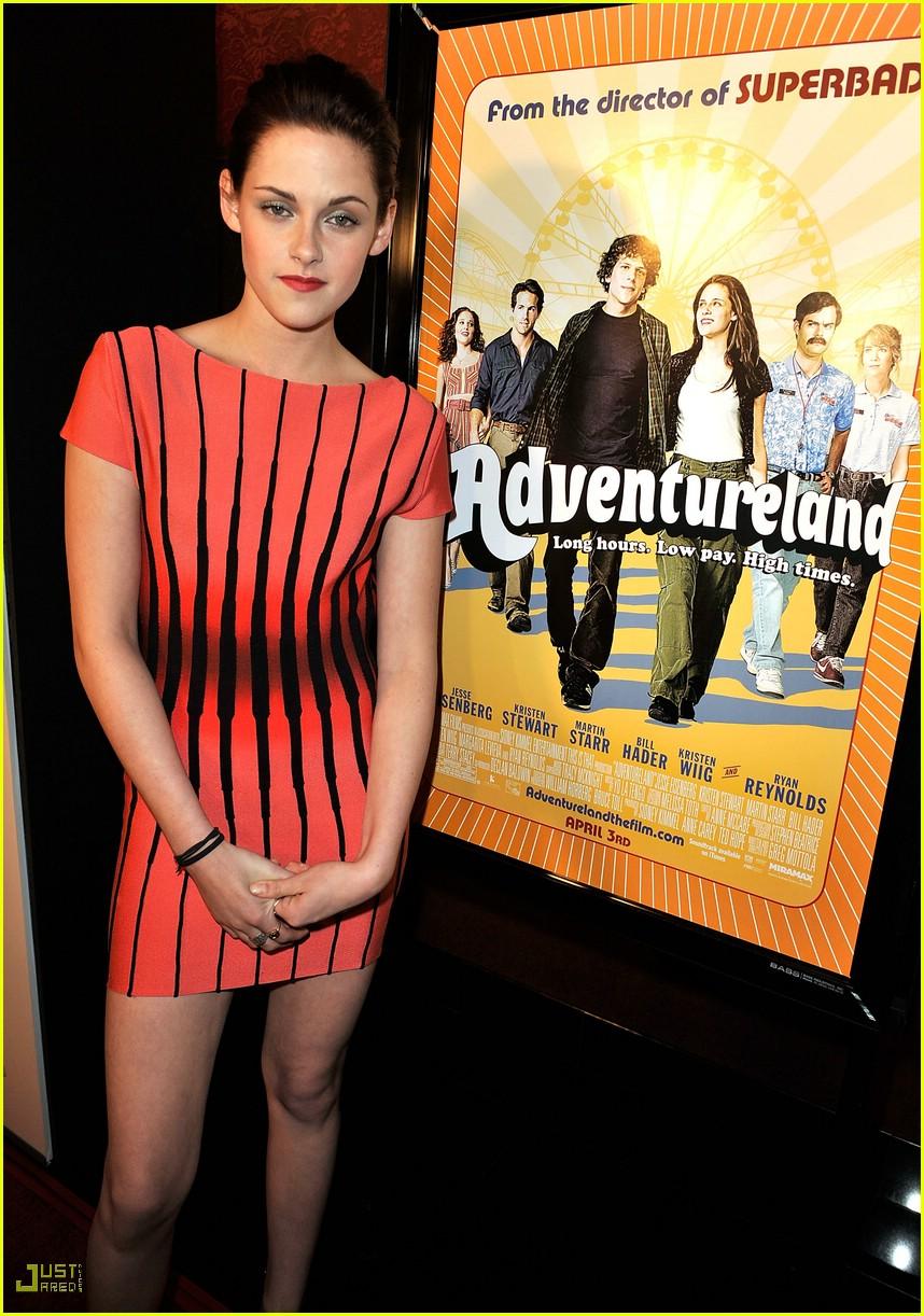 kristen stewart adventureland premiere 10