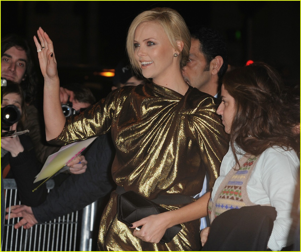 charlize theron burning plain paris 041763241