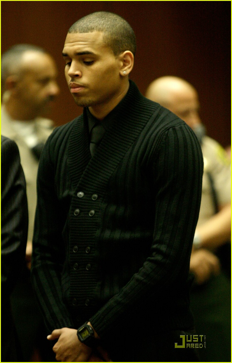 chris brown pleads not guilty 03
