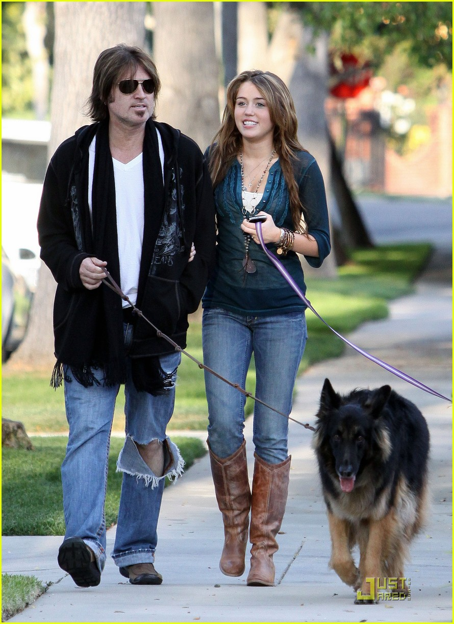 miley cyrus billy ray dogs 01