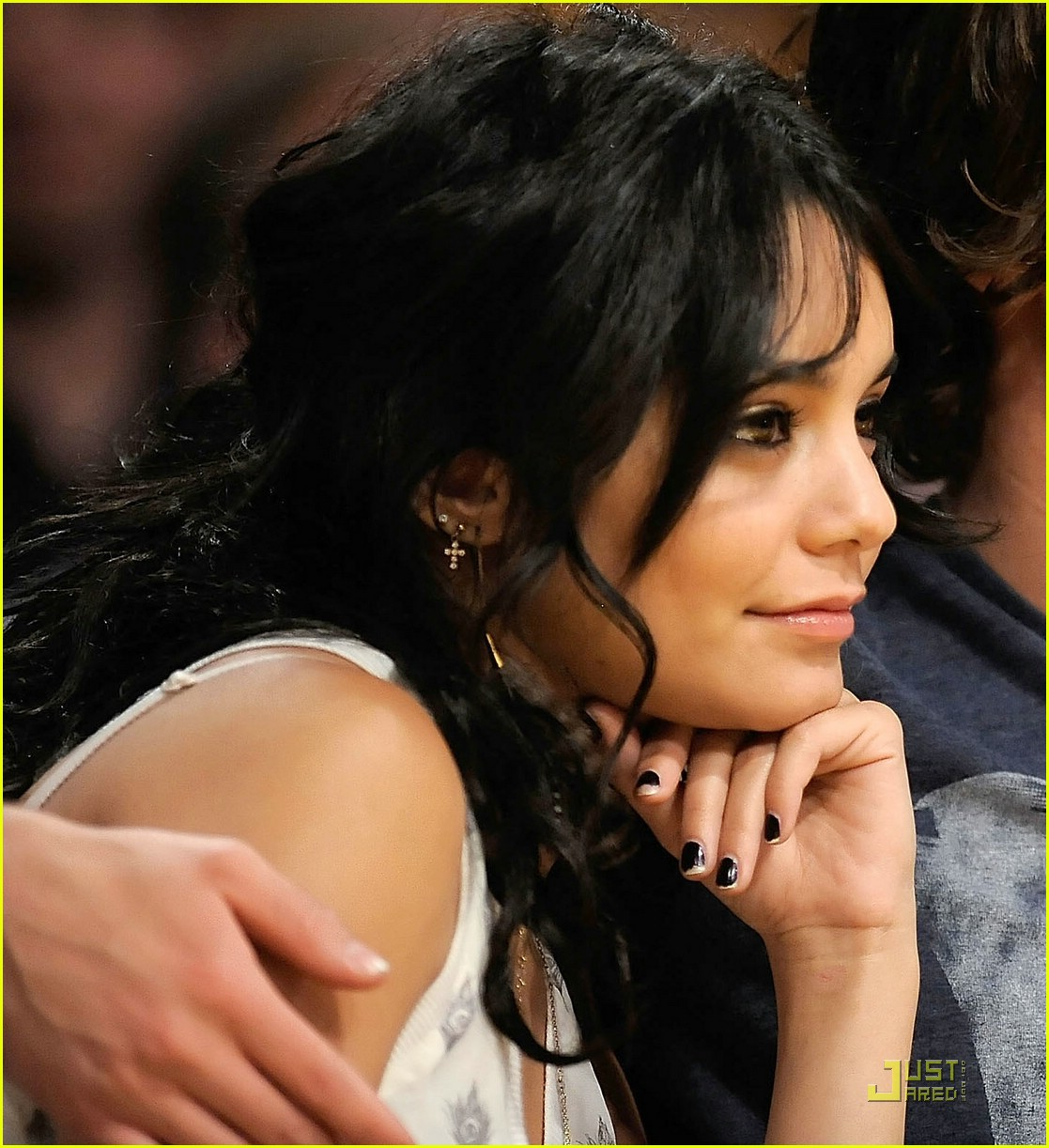 zac efron vanessa hudgens lakers 16