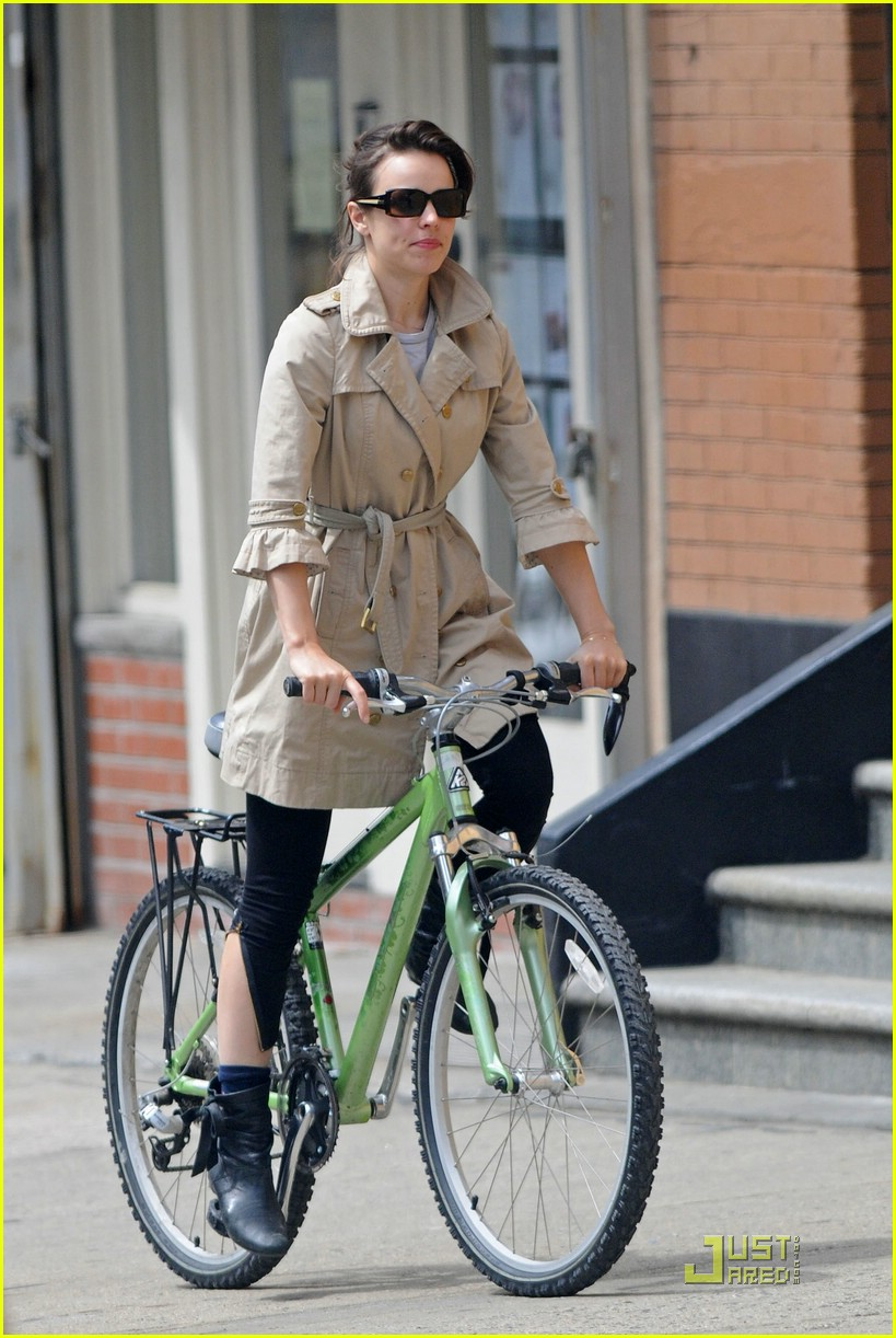 rachel mcadams bicycling josh lucas 05