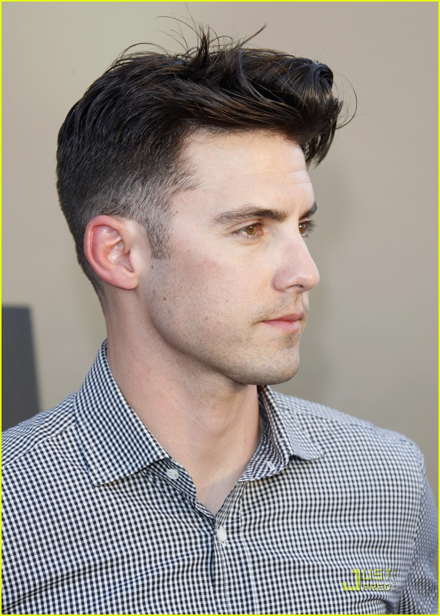 Full Sized Photo of milo ventimiglia heroes for autism 02 | Photo 1865431 | Just Jared