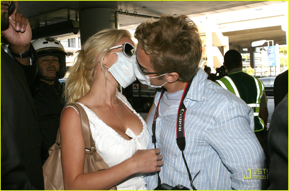 heidi montag spencer pratt swine flu masks 06