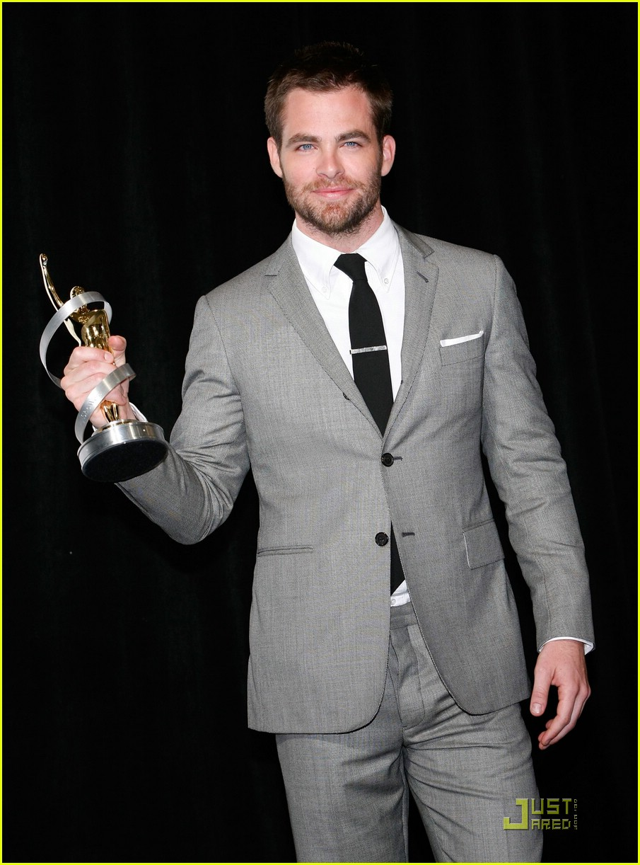 chris pine showest male star of tomorrow 08