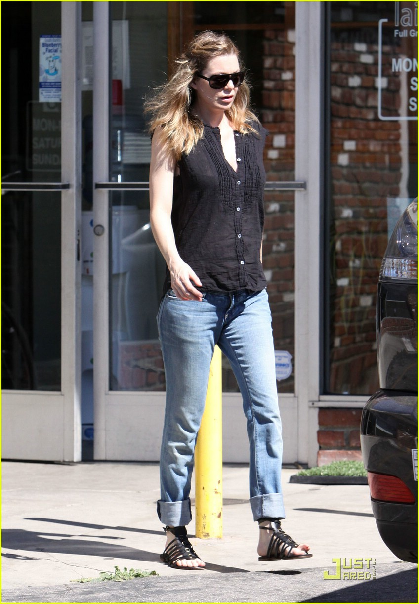 ellen pompeo tail washers 08
