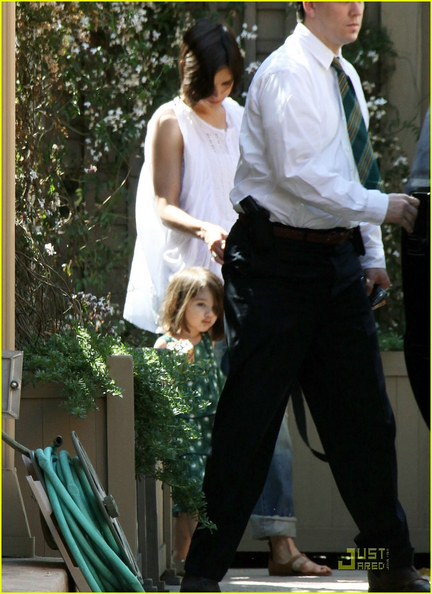suri cruise choclate lips 05