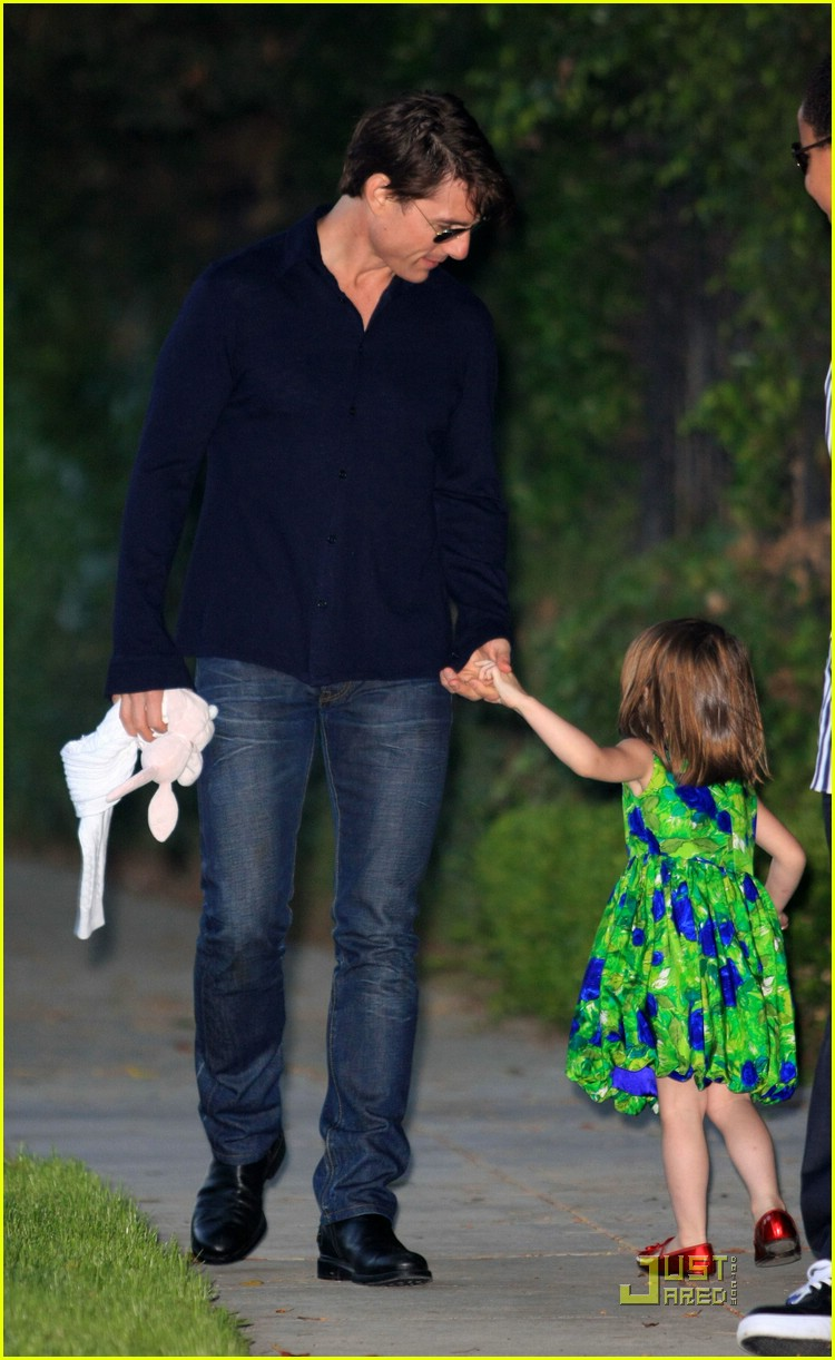 suri cruise runaway rapid 05