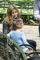 jennifer aniston plays in central park 05