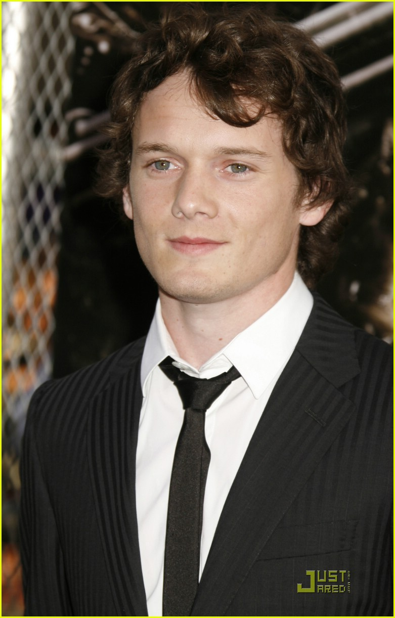 anton yelchin termiantor salvation 14