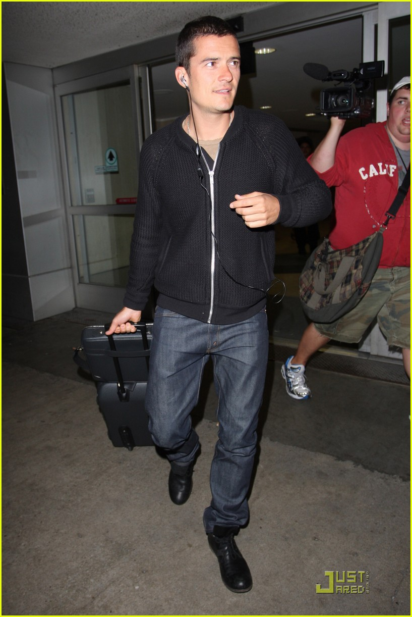 orlando bloom angelino arrival 081955141