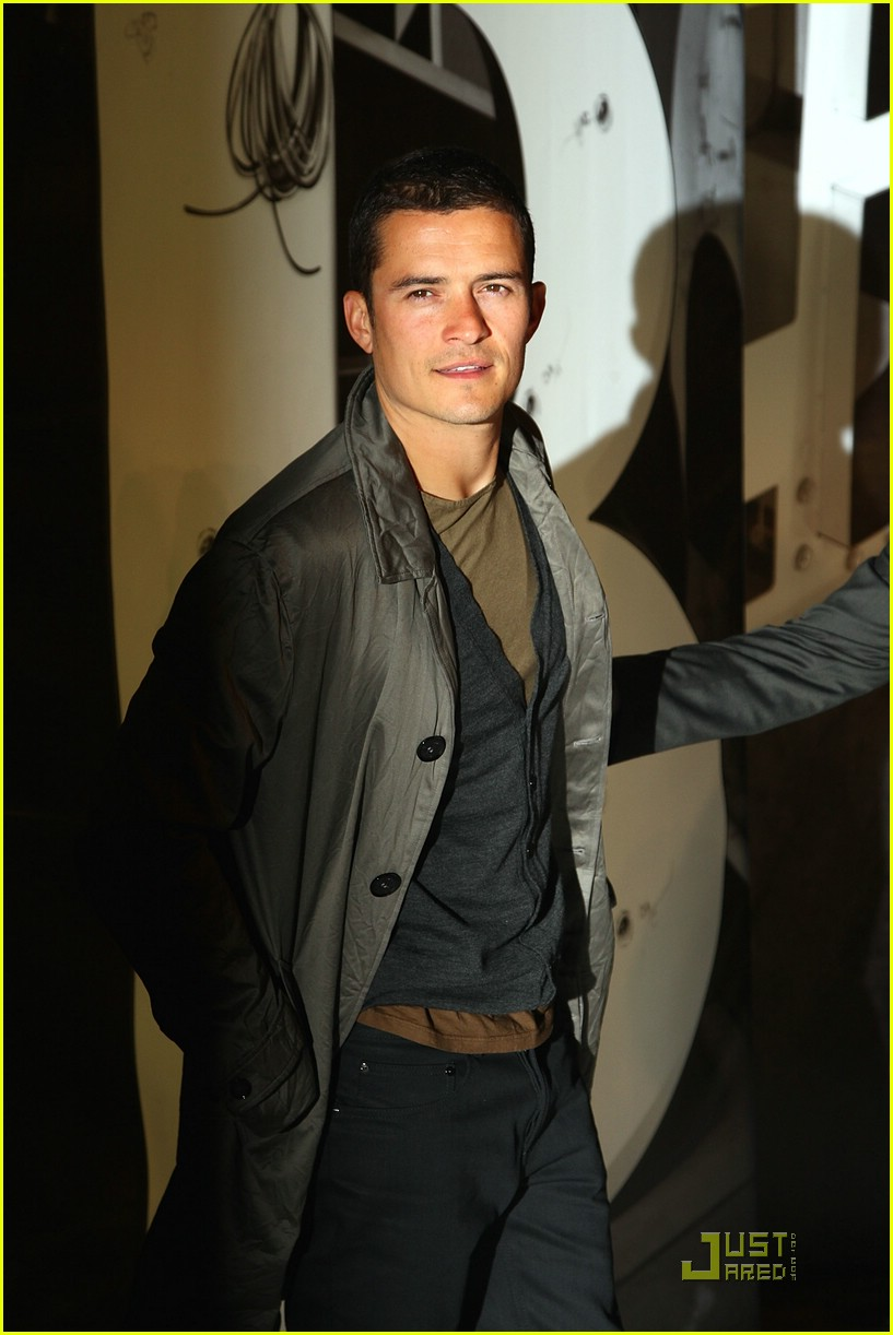orlando bloom burberry day 18