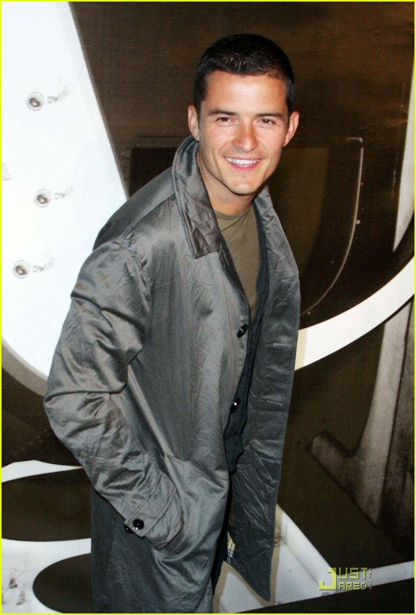 orlando bloom burberry day 22