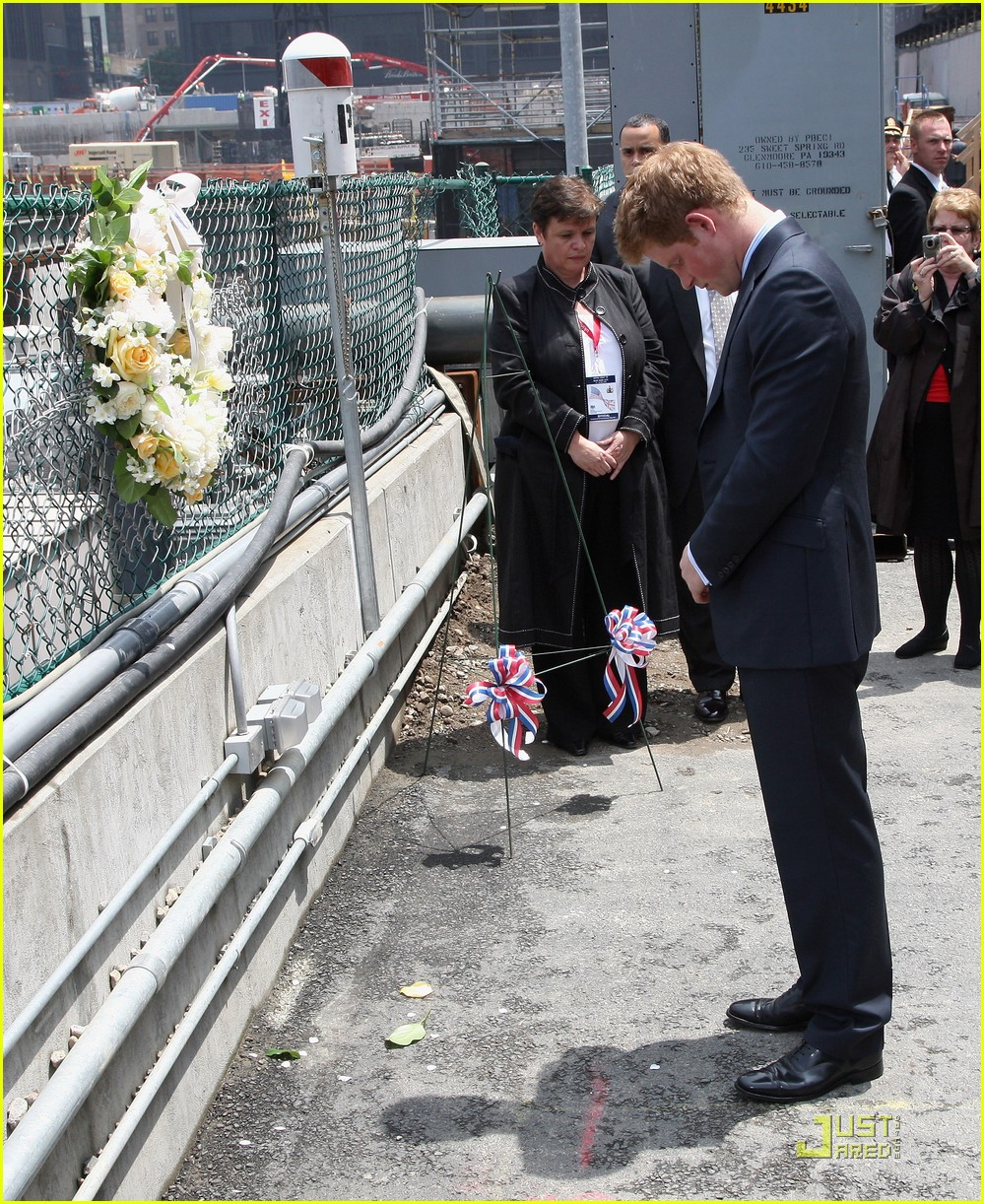 prince harry pays respects 03