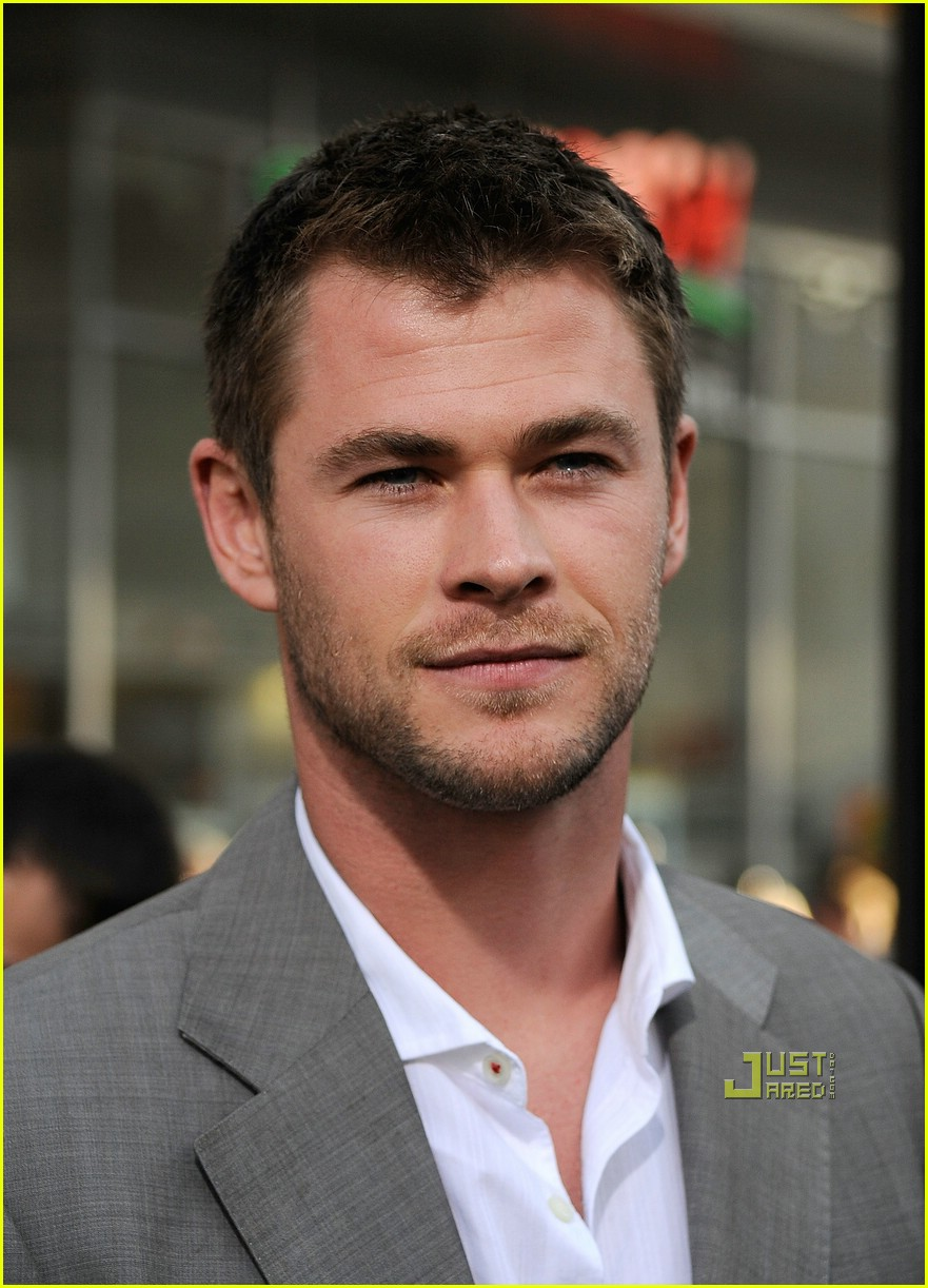chris hemsworth thor 081925801