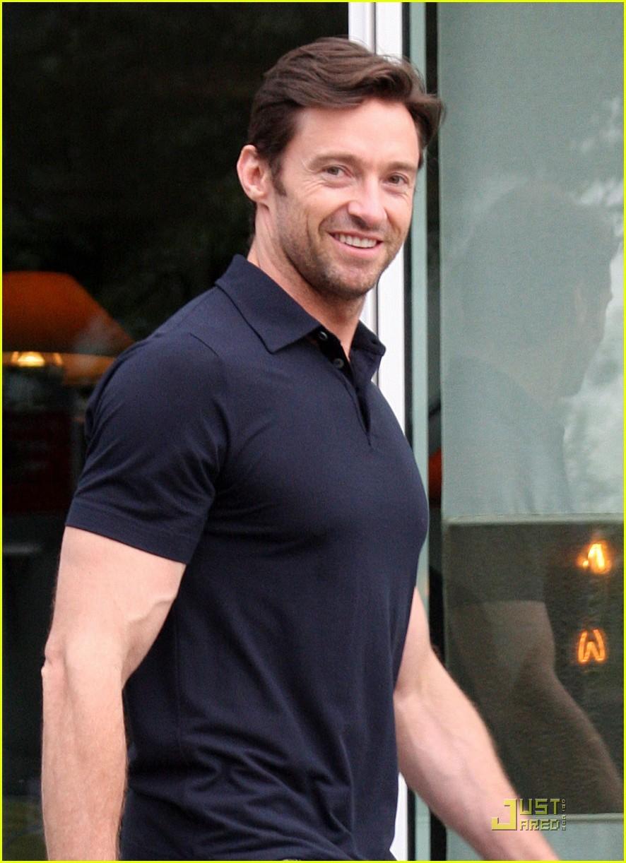 hugh jackman bulging biceps 02