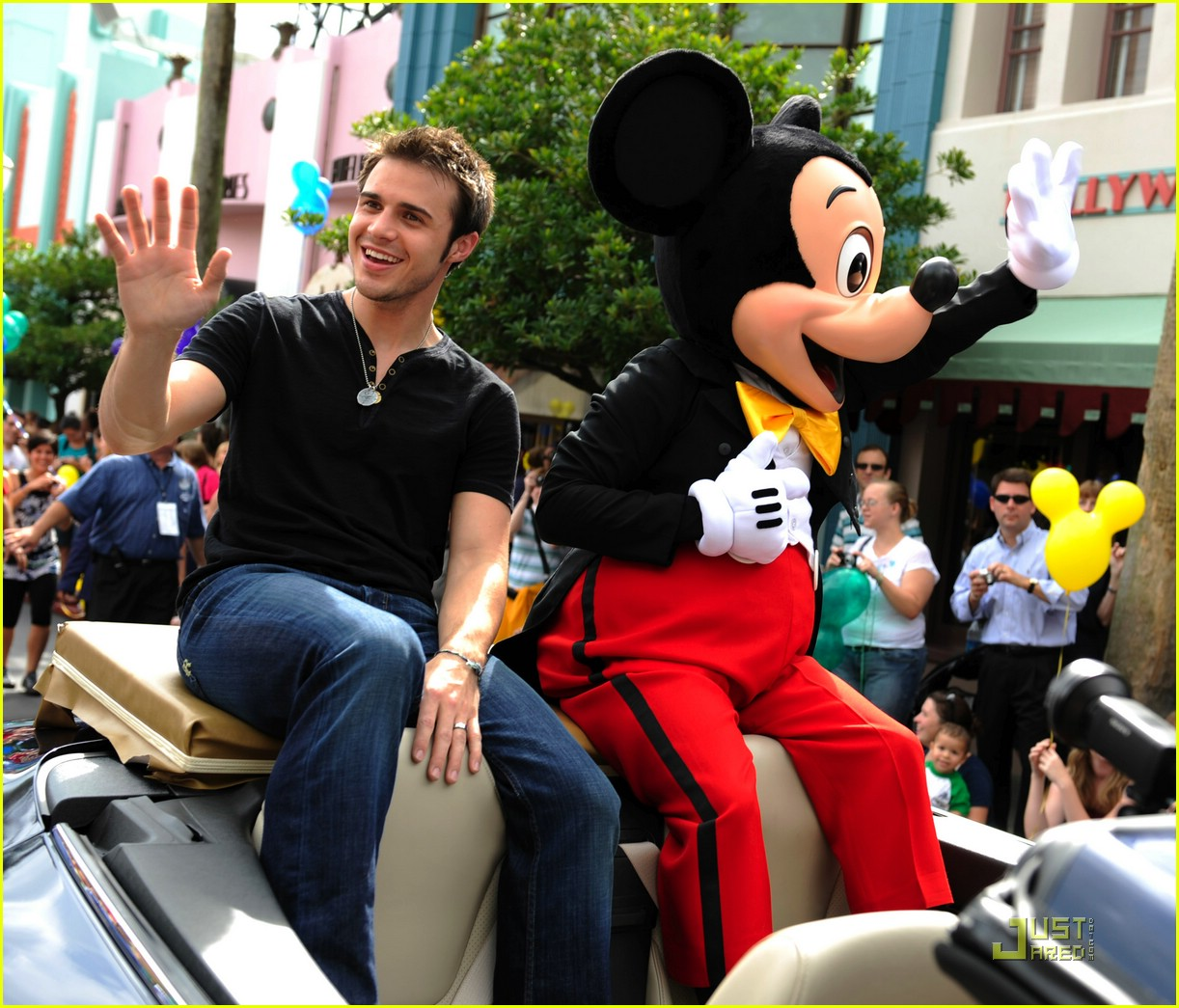 kris allen minnie mouse 011953671