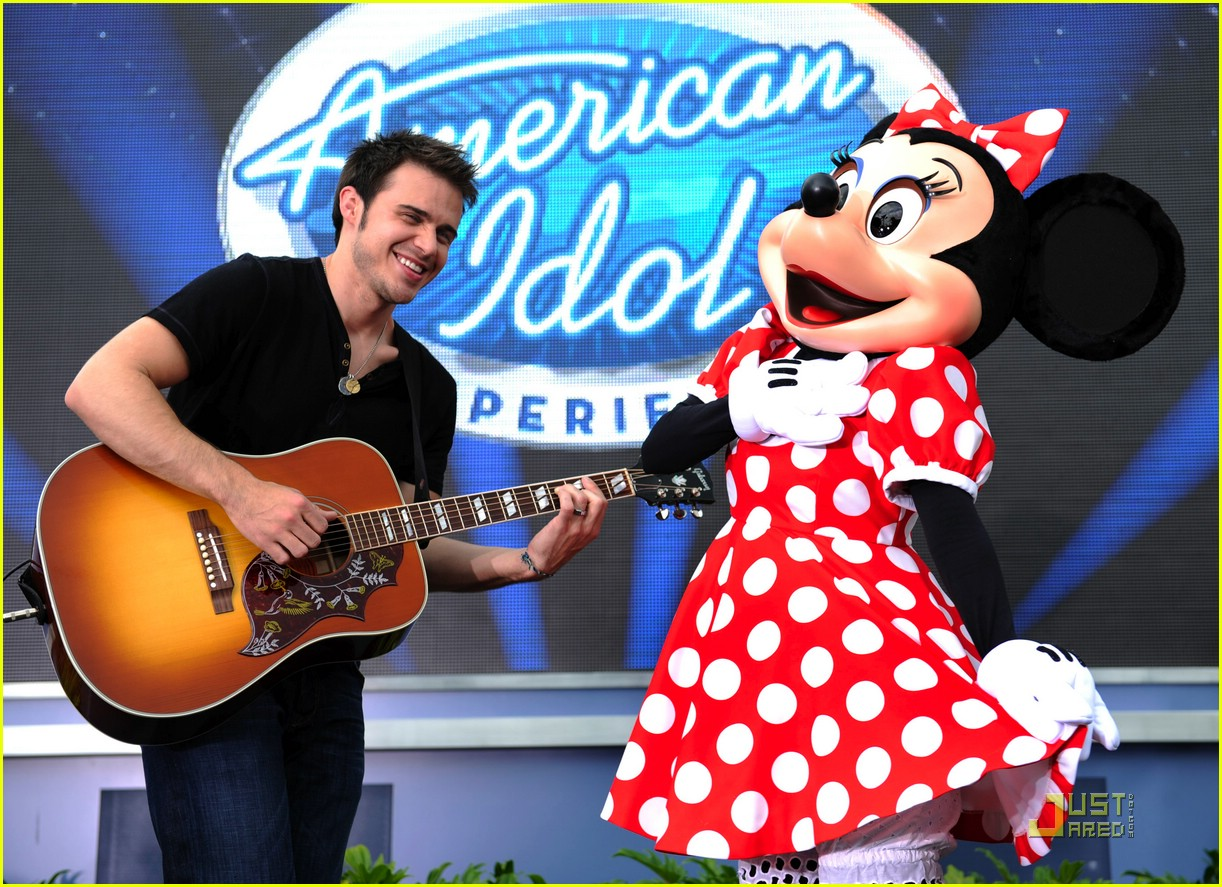 kris allen minnie mouse 07