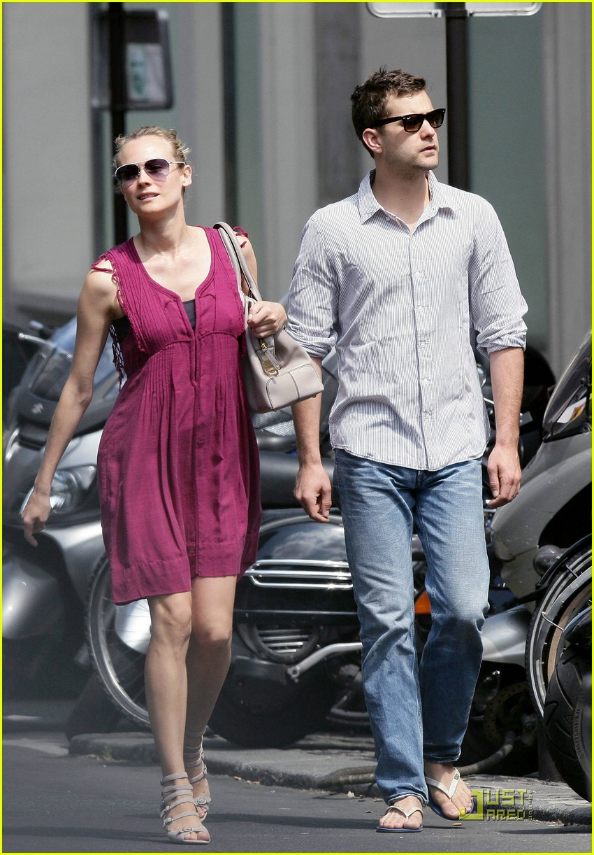 diane kruger joshua jackson kissing couple 15