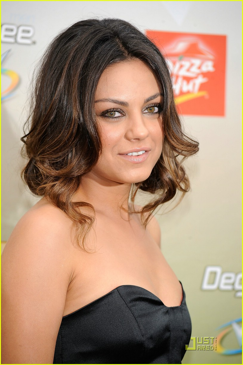 mila kunis guys choice awards 15
