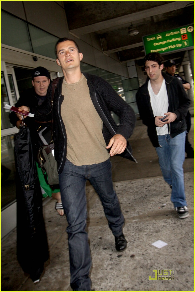 orlando bloom burberry buildling 01